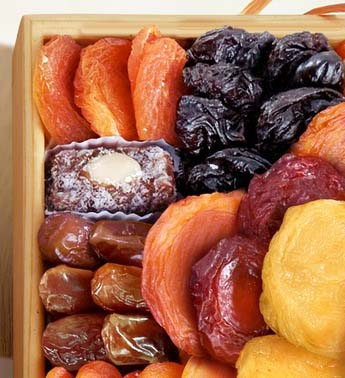 healthy-dorm-room-snacks-dried-fruits